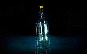 Plexi stalak za flašu